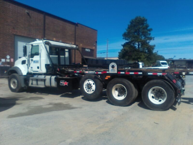 2019 Mack GU813 Galbreath U5-OR-174 60k lb  35.5″ Rails Mack MP7-425M Roll Off Truck